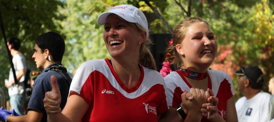 Slider_accueil_Marathon-2014_arrivee-Isabelle-Vanessa_960x430